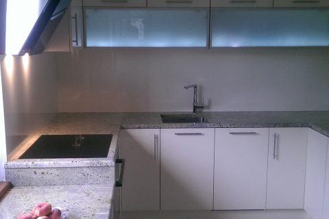 Kuchyňa vysoký lesk